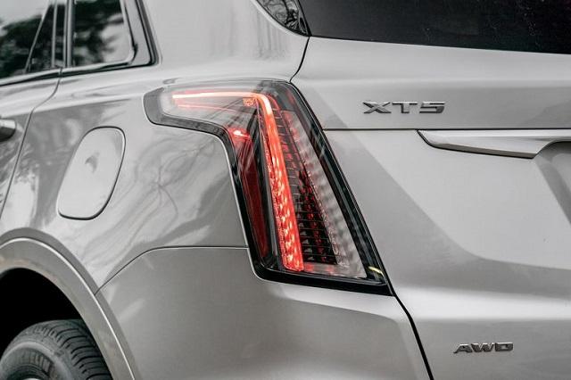 2022 Cadillac XT5 rear