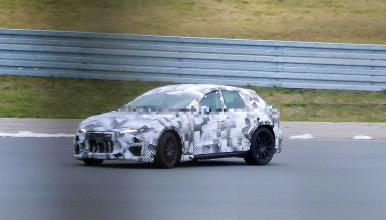 2022 Ferrari Purosangue front