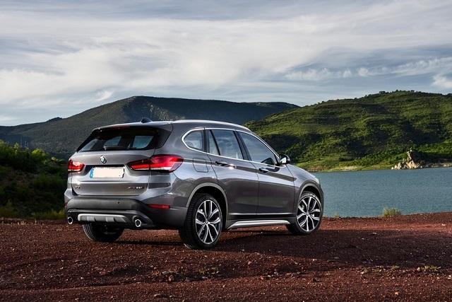 2022 BMW X1 rear