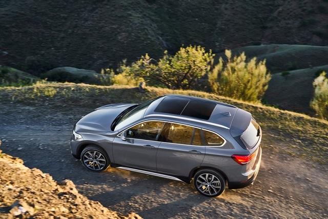 2022 BMW X1 side