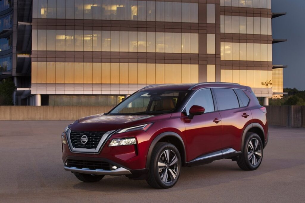 2022 Nissan Rogue front