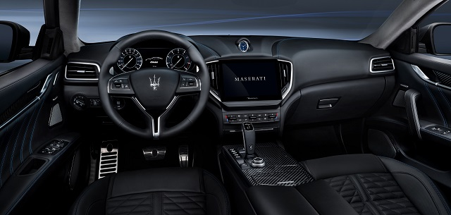 2022 Maserati Levante Hybrid interior
