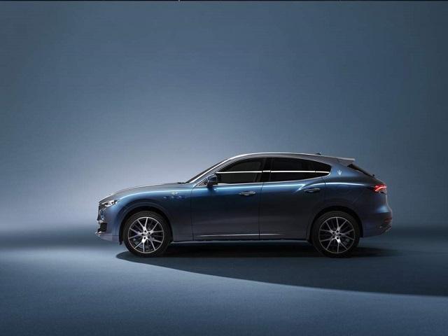 2022 Maserati Levante Hybrid side