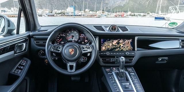 2022 Porsche Macan interior