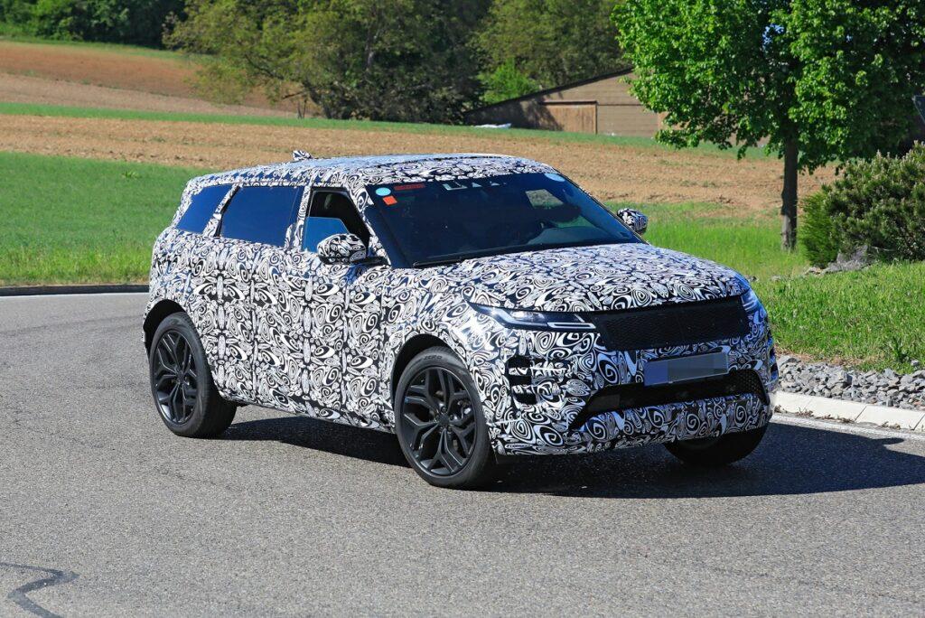 2022 Range Rover Evoque front