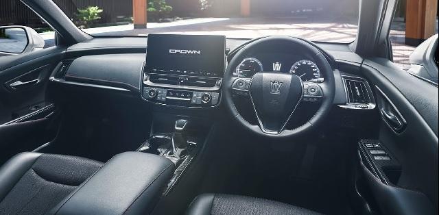 2022 Toyota Crown Kluger interior