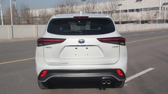 2022 Toyota Crown Kluger rear
