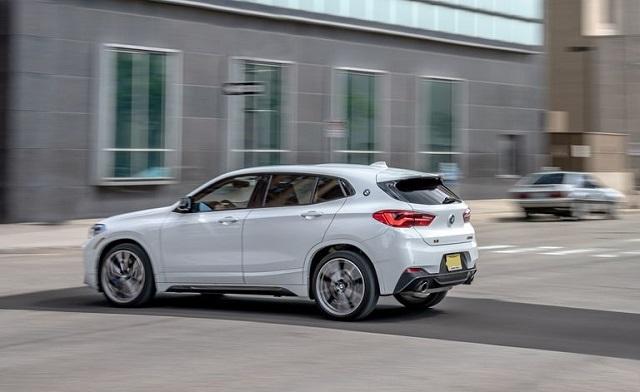 2022 BMW X2 side