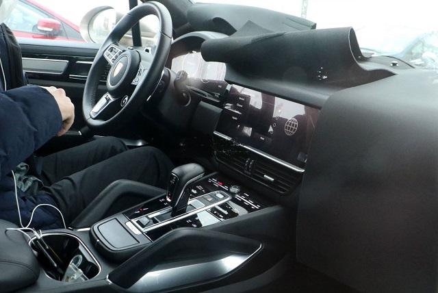 2022 Porsche Cayenne Coupe interior