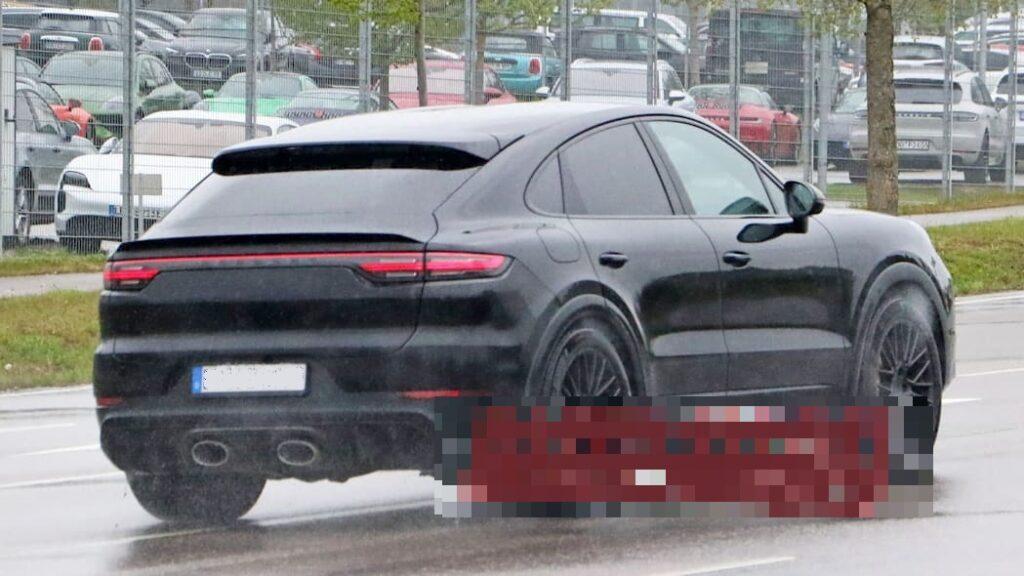 2022 Porsche Cayenne Coupe rear
