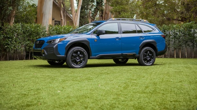 2022 Subaru Outback Wilderness side