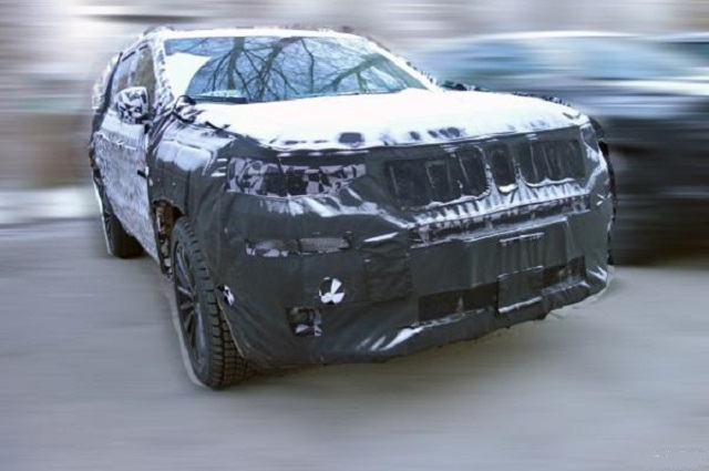 2022 Jeep Commander front