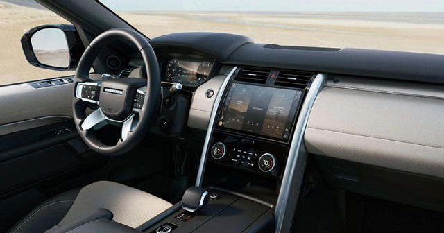 2022 Land Rover Discovery interior