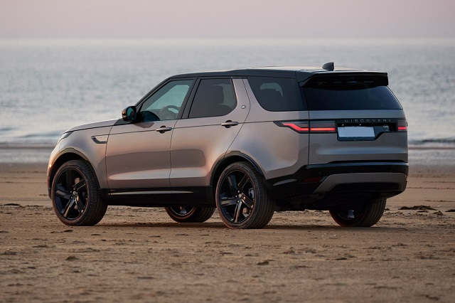 2022 Land Rover Discovery rear