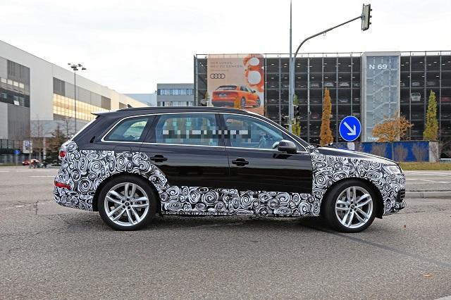 2023 Audi Q7 side
