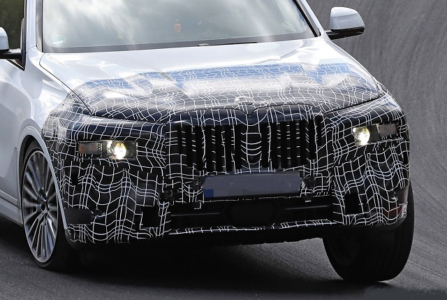 2023 BMW X7 grille