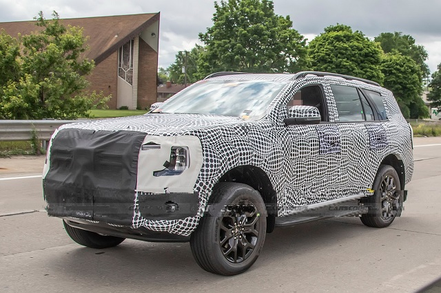 2023 Ford Everest front