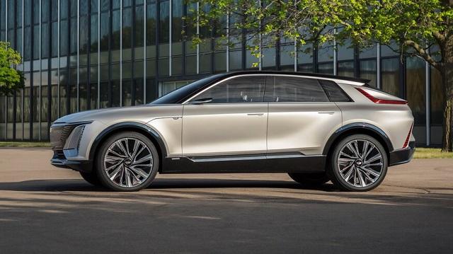2023 Cadillac Lyriq side