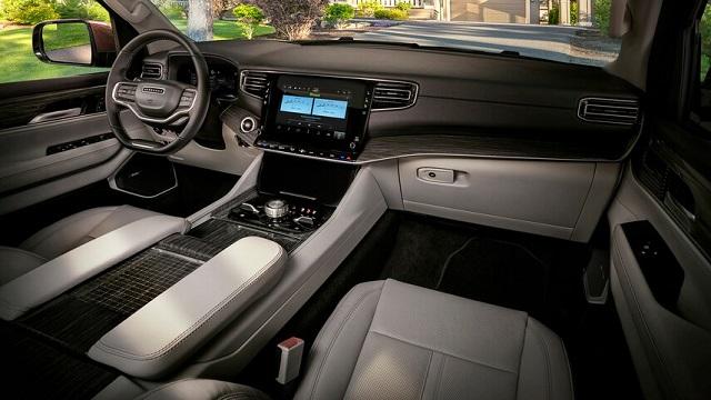 2023 Jeep Wagoneer Trailhawk interior