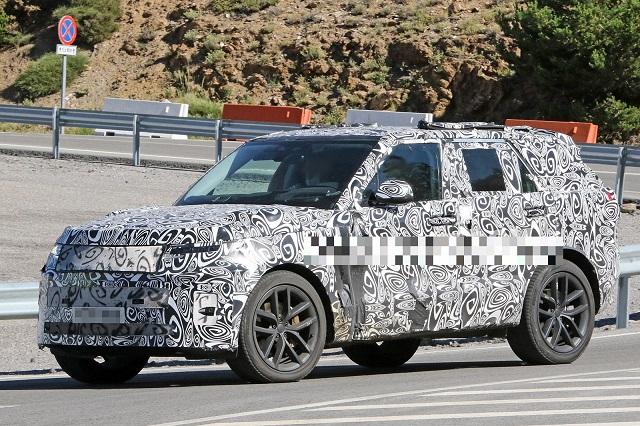 2023 Land Rover Range Rover Sport side