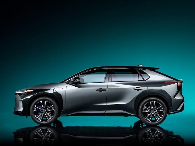 2023 Toyota bz4X side