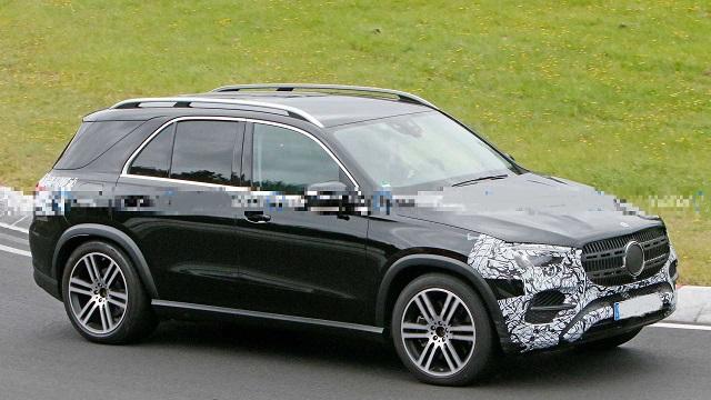 2023 Mercedes-Benz GLE side