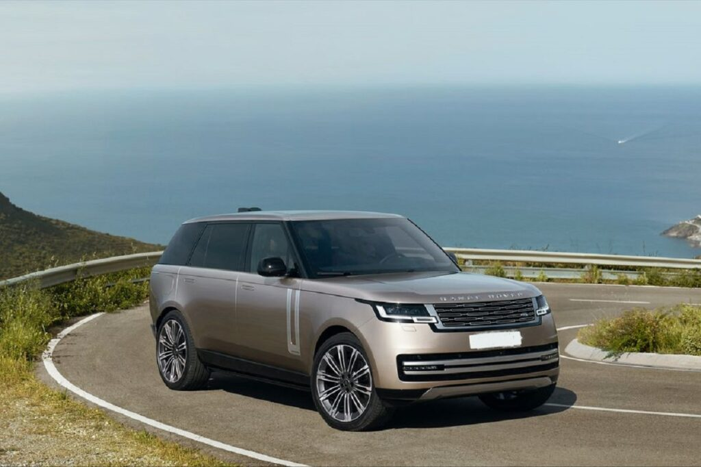 2023 Land Rover Range Rover front