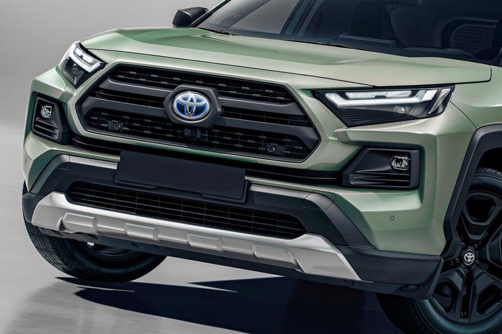 2023 Toyota RAV4 front